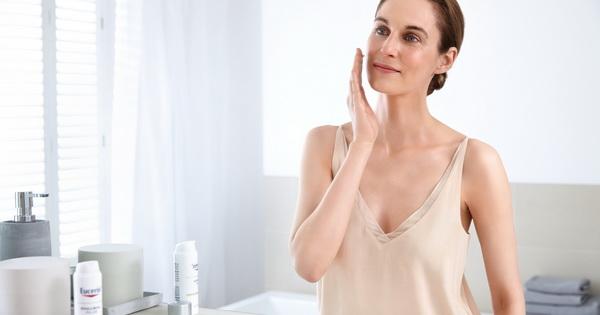 Како да се изедначат несовршеностите на кожата и