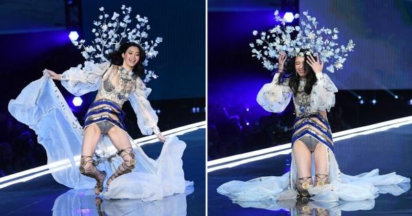 Незгода на пистата  Модел падна на шоуто на Victoria s Secret