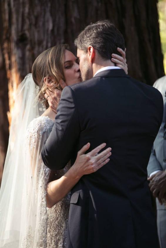 Свадбата на Хилари Свонк
