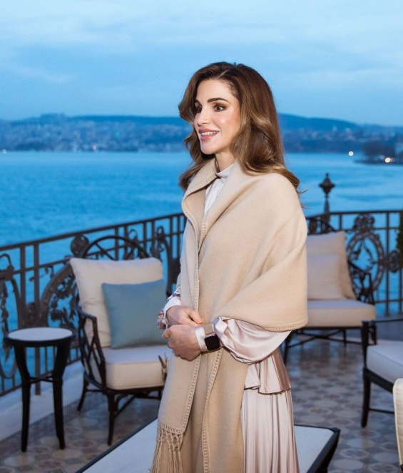 Кралот и кралицата на Јордан во �станбул