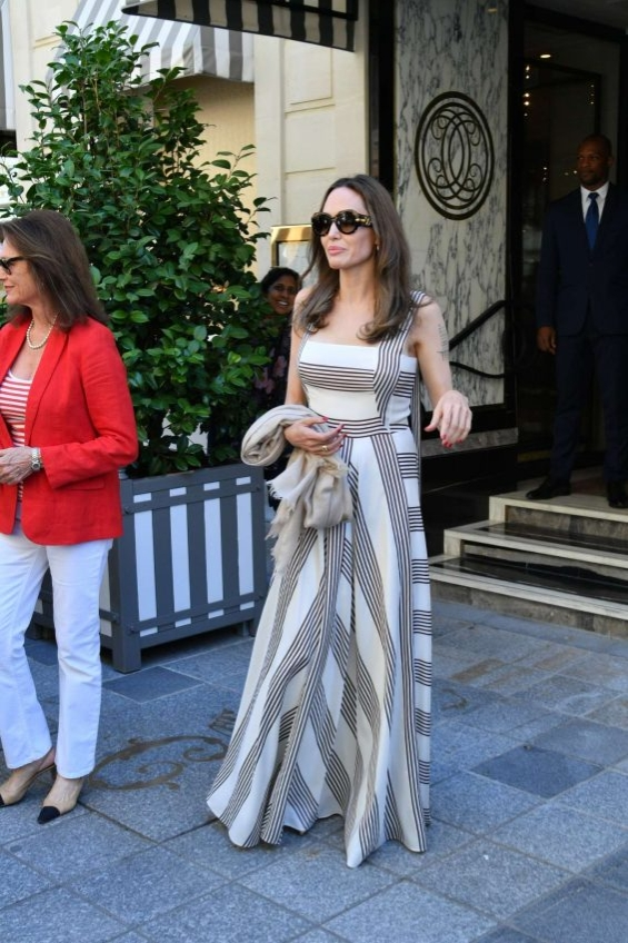 Анџелина Џоли и Жаклин Бисет