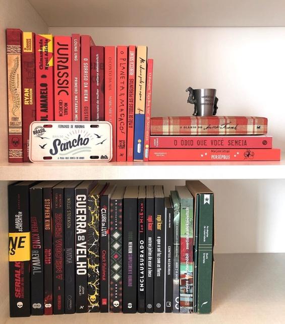 книги декорации