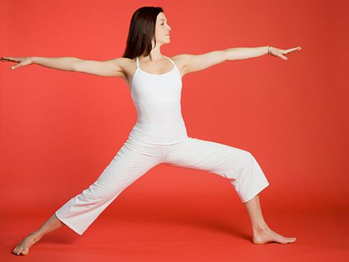 Жена што вежба јога - поза 1