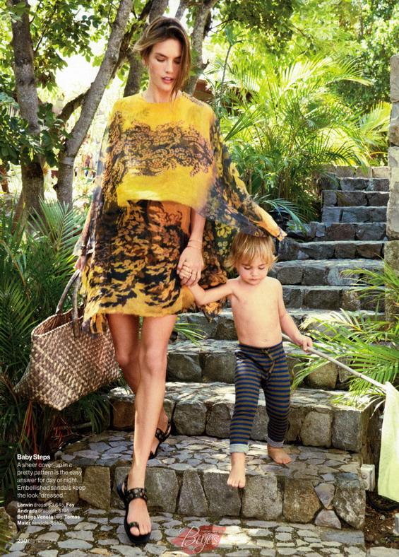 Алесандра Амбросио со децата