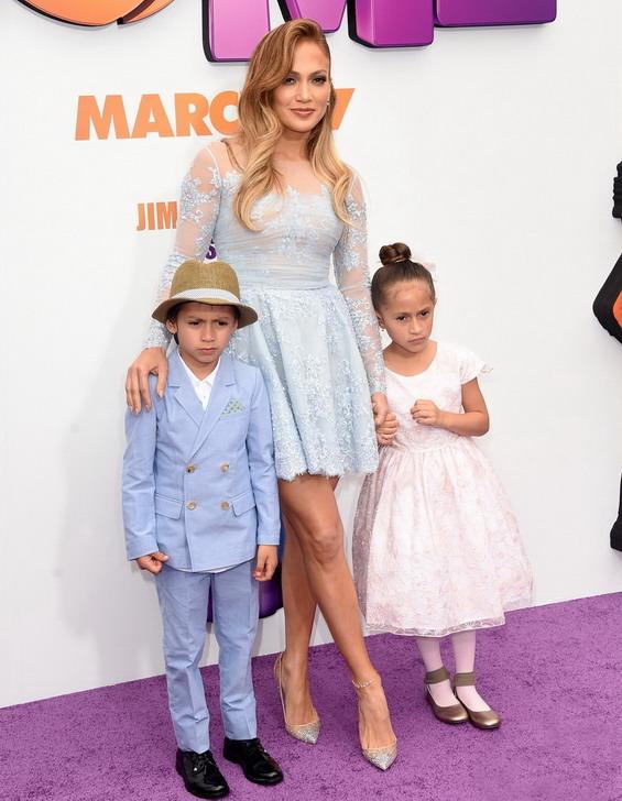 Џенифер Лопез со Макс и Еми